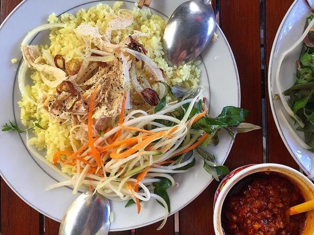 5-mon-an-ngon-noi-tieng-o-quang-nam-du-lich-vietnam-08