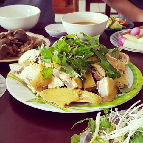 5-mon-an-ngon-noi-tieng-o-quang-nam-du-lich-vietnam-09