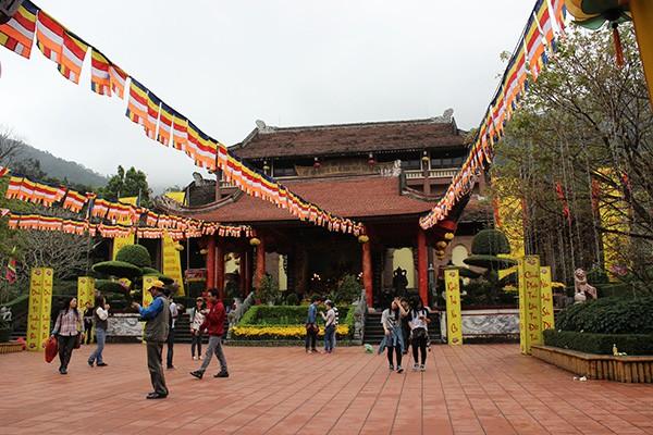 Yen-Tu-Quang-Ninh-vinh-ha-long