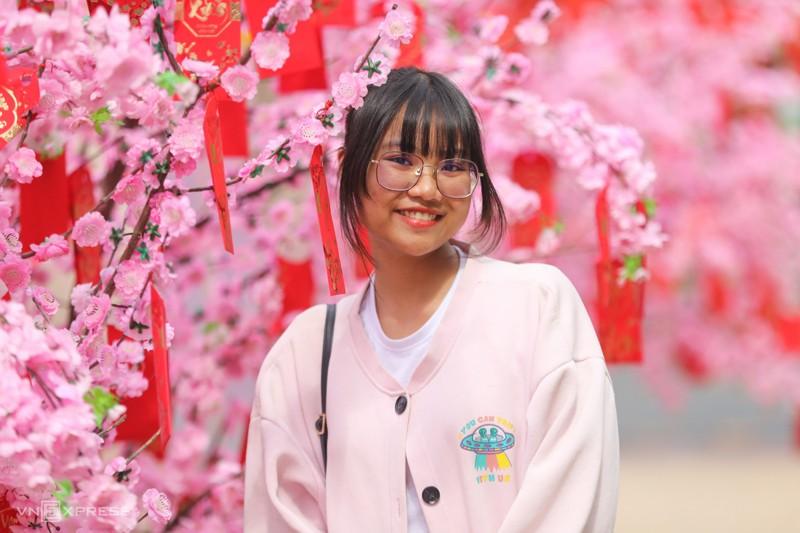 Cảnh đẹp đường hoa tết ở Hồ Bán Nguyệt, Quận 7 Tp. Hồ Chí Minh 10