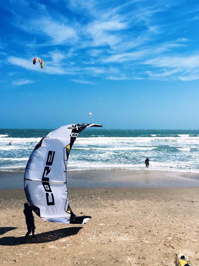 Du lịch trải nghiệm lướt ván diều tại biển Mũi Né ở Bình Thuận 4