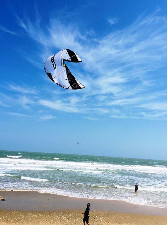 Du lịch trải nghiệm lướt ván diều tại biển Mũi Né ở Bình Thuận 5