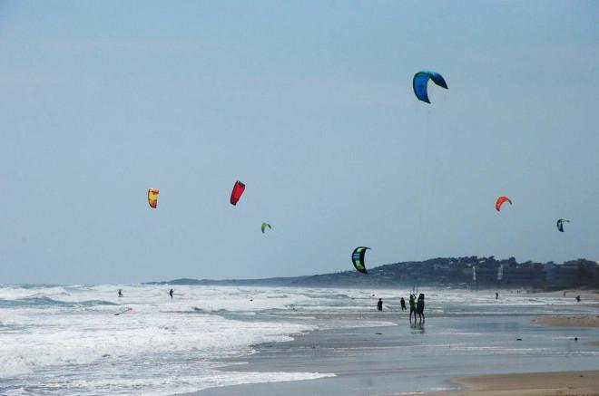 Du lịch trải nghiệm lướt ván diều tại biển Mũi Né ở Bình Thuận 6