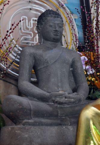 nhung-ngoi-chua-noi-tieng-o-vung-tau-05