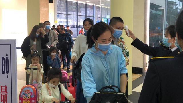 Cách lý tại Việt Nam chỉ 7 ngày cho người tiêm đủ vaccine