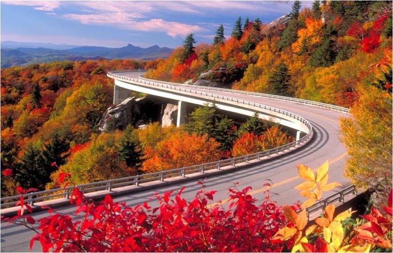 Top 10 địa điểm du lịch ngắm cảnh đẹp mùa thu ở Mỹ 6