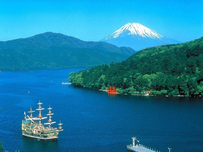 tour-du-lich-nhat-ban-tokyo-owakudani-Yamanashi-nui-phu-si-01