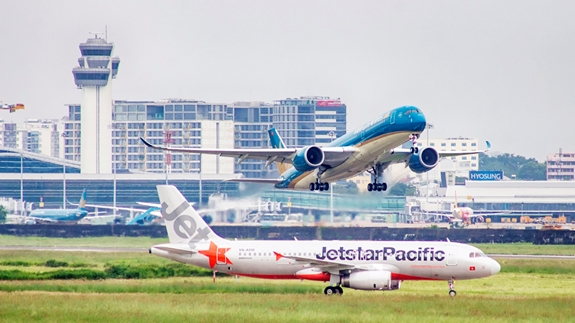 vietnam-airlines-jetstar-pacific-ve-may-bay-trong-nuoc-chi-49000d