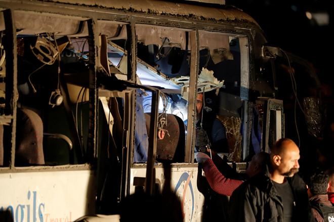 Xe chở du khách Việt Nam bị đánh bom ở Ai Cập 1