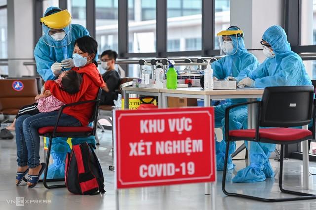 Xét nghiệm nhanh Covid 19 tại Sân Bay Nội Bài Hà Nội 4